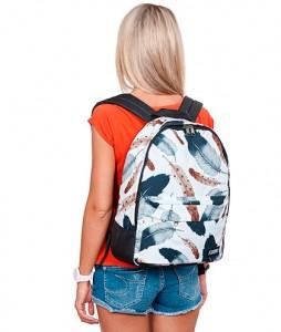 #54-plecak-25l-urbanplanet-feathers-urbanstaffshop-streetwear