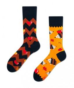 #10-kolorowe-skarpety-skarpetki-manymornings-apple-hedgehog-urbanstaffshop-casual-streetwear-(1)