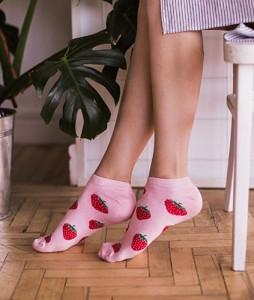 #22-stopki-skarpety-skarpetki-clew-strawberries-urbanstaff-streetwear-casual-(1)