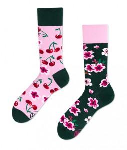 #38-kolorowe-skarpety-skarpetki-manymornings-cherry-blossom-urbanstaffshop-casual-streetwear-(1)