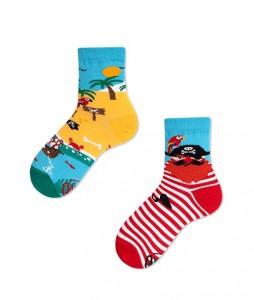 #3-kolorowe-skarpetki-dzięciece-manymornings-pirate-island-kids-urbanstaff-casual-streetwear-(1)