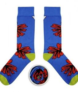 #58-skarpety-skarpetki-kolorowe-cup-of-sox-the-beast-from-the-east-niebieskie-z-czerwonym-kwiatem-casual-streetwear-urbanstaff-1