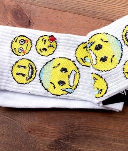 #8-skarpety-biale-sportowe-punch-emoji-white-urbanstaff-casual-streetwear-1 (2)