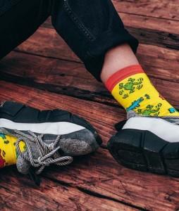 #28-skarpety-skarpetki-soberay-stinky-buddy-keith-haring-yellow-urbanstaff-casual-streetwear-2