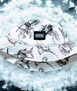 #55-kapelusz-bucket-hat-hook-h8k-octopus-wht-kids-urbanstaff-casual-streetwear-1