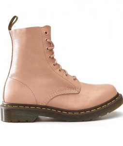 30-glany-dr-martens-1460-pascal-salmon-pink-DM24482672-urbanstaff-casual-streetwear-1