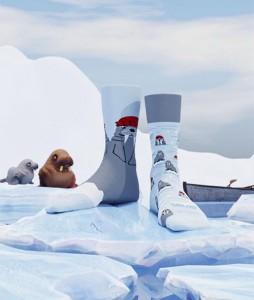 117#-kolorowe-skarpetki-many-mornings-the-walrus-socks-regular-urbanstaff-casual-streetwear-(2)