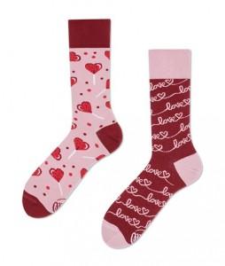 118#-kolorowe-skarpetki-many-mornings-love-story-socks-regular-urbanstaff-casual-streetwear-(1)