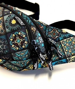 #127-saszetka-nerka-milk-carpet-urbanstaff-casual-streetwear-3