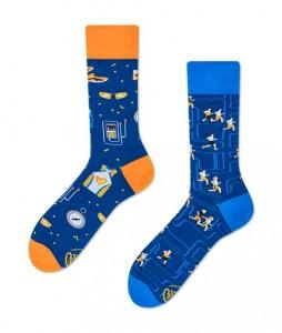 123#-kolorowe-skarpetki-many-mornings-just-run-socks-regular-urbanstaff-casual-streetwear-(1)