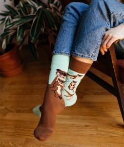 124#-kolorowe-skarpetki-many-mornings-otter-stories-socks-regular-urbanstaff-casual-streetwear-(2)
