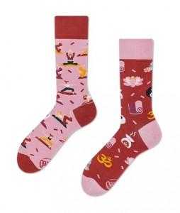 126#-kolorowe-skarpetki-many-mornings-namaste-socks-regular-urbanstaff-casual-streetwear-(1)
