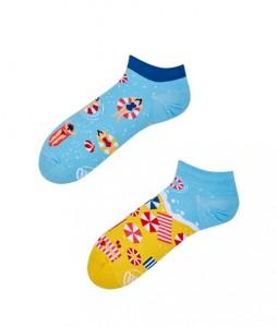 49#-kolorowe-skarpetki-stopki-manymornings-beach-please-low-urbanstaff-casual-streetwear-(1)