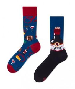 136#-kolorowe-skarpetki-many-mornings-cabernet-sockvignon-socks-regular-urbanstaff-casual-streetwear-(1)